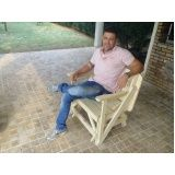 mesa banco de madeira em Marília