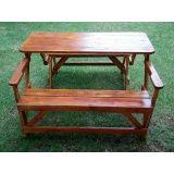 banco de jardim vira mesa